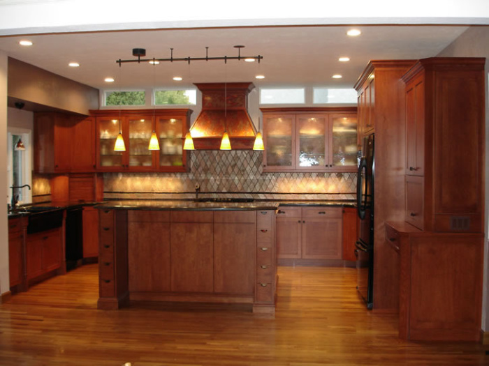 Traditional alder kitchen cabinets