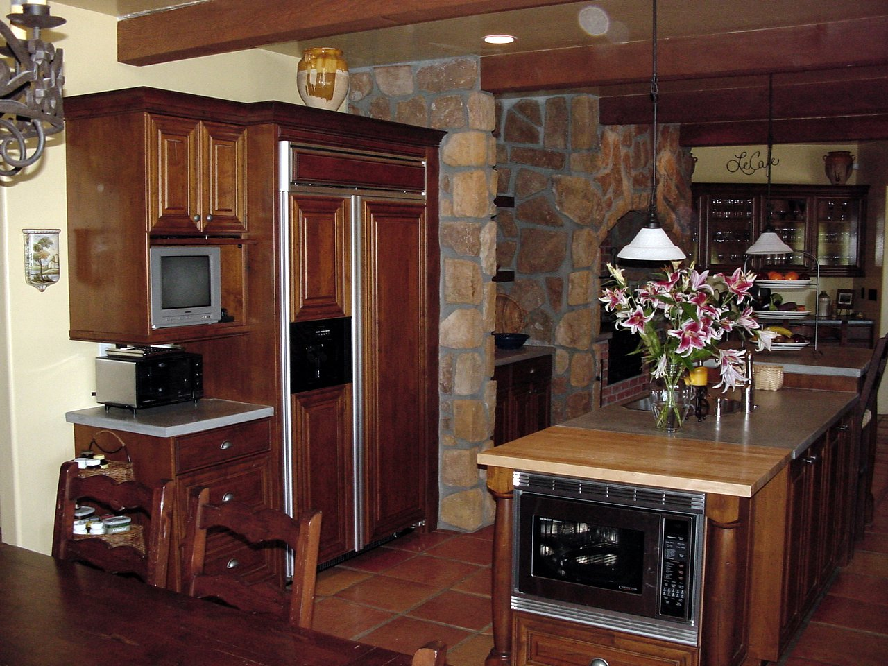 Rustic Alder Kitchen Cabinetry