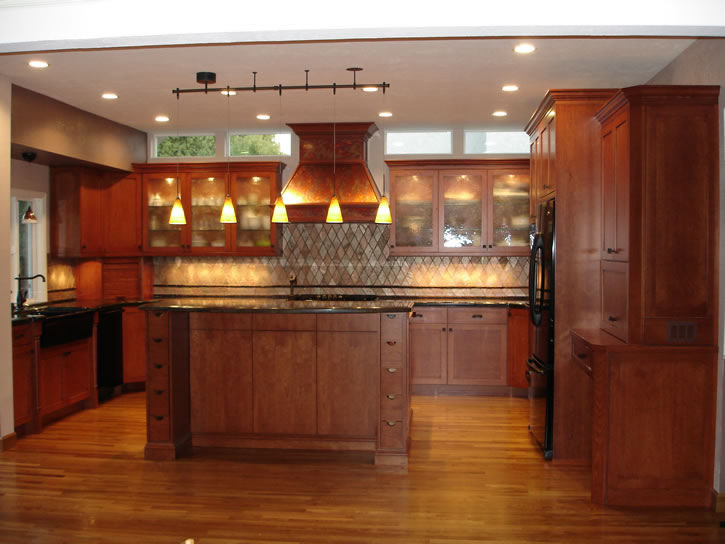 Traditional alder kitchen cabinets